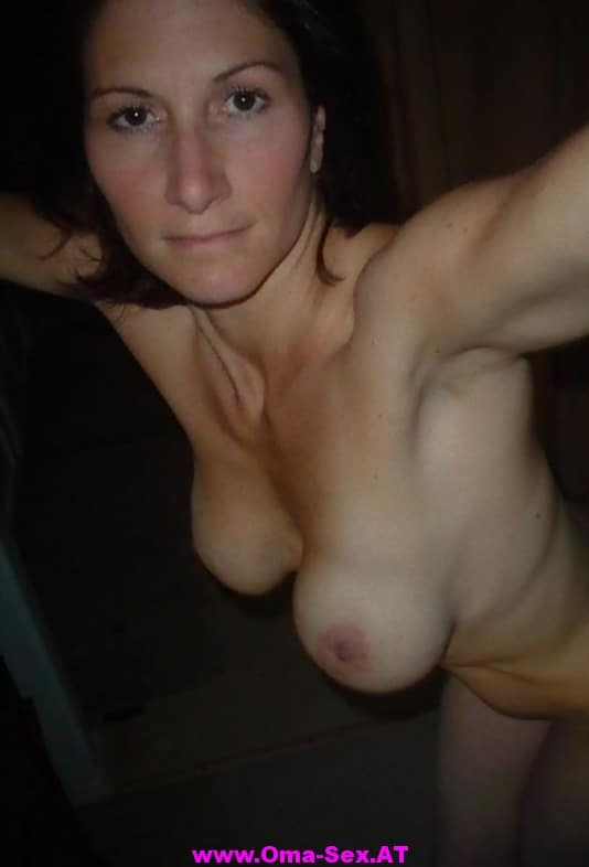 sie sucht sex augsburg nachbarin nackt im garten